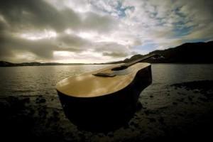 chitara-acustica-plaja